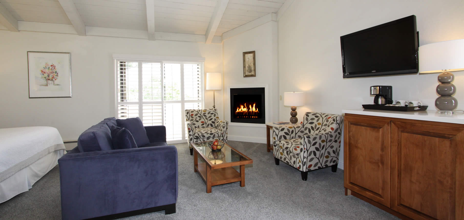 carmel hotel guest room with fireplace